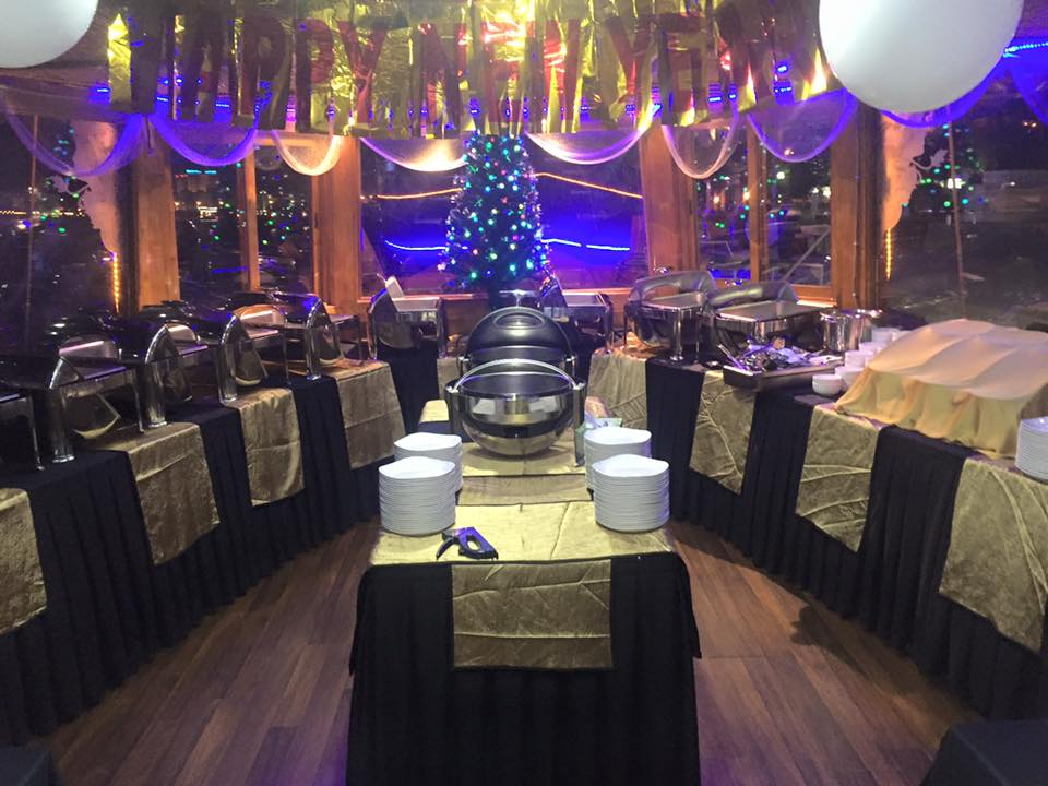 New year party at Dhow Cruise