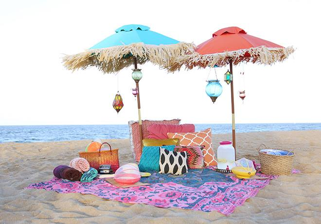 beach picnic at jumeriah beach in Dubai