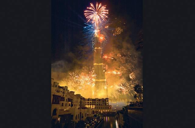 New Year Fire work in Burj Khalifa images